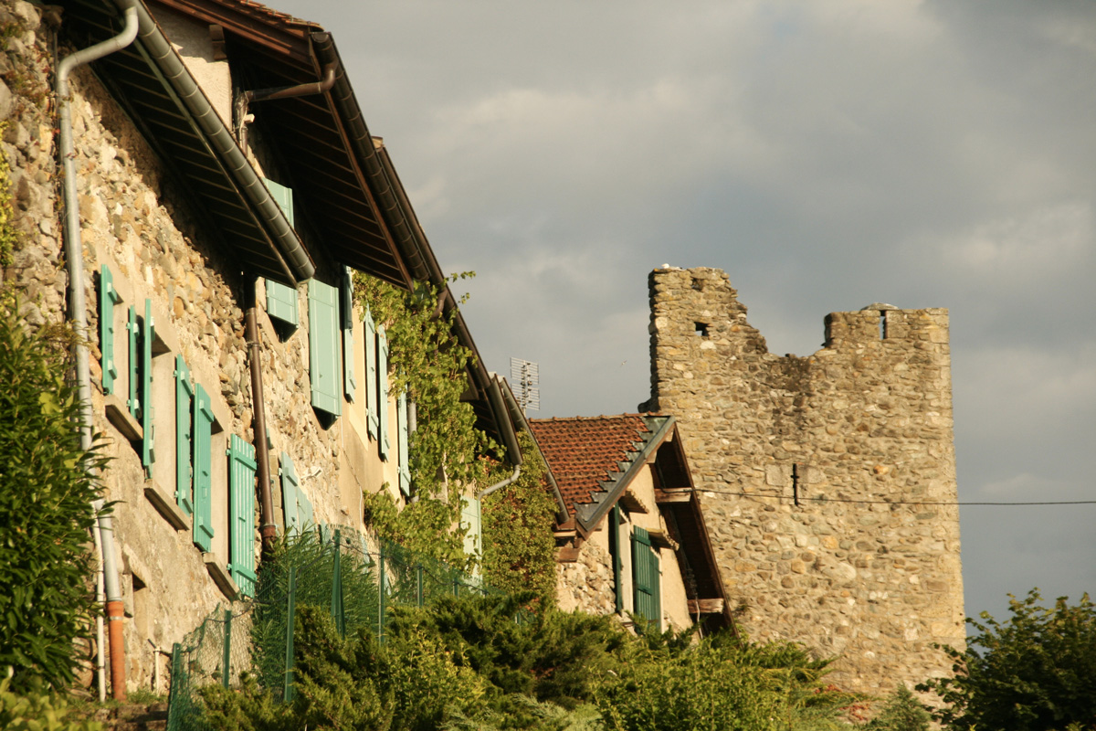 Yvoire medieval remparts