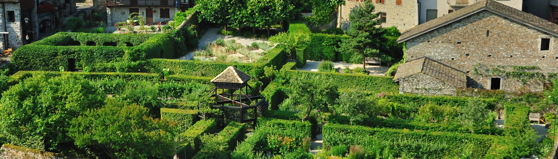 Jardin sur le lac Léman, lac de Genève