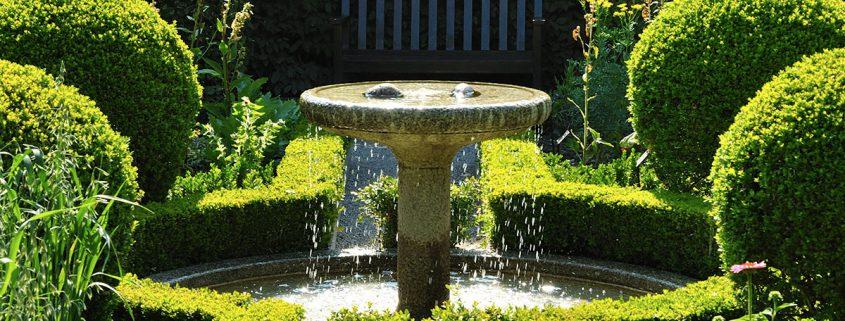 l 39 eau l or bleu des jardins le jardin des cinq sens yvoire. Black Bedroom Furniture Sets. Home Design Ideas