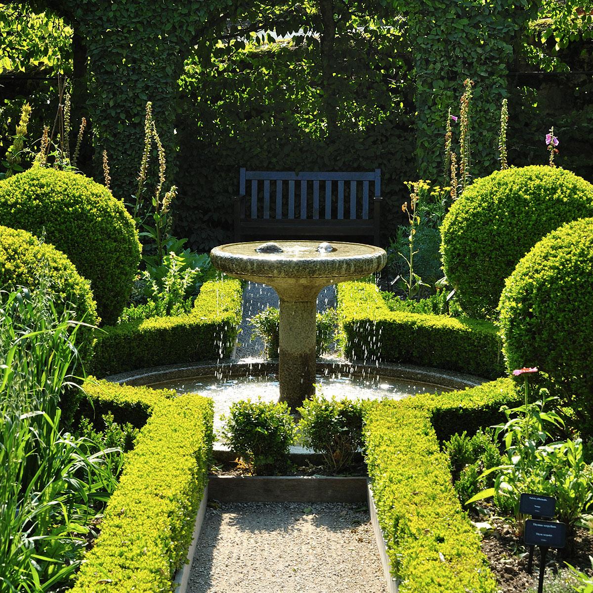 Le jardin des cinq sens yvoire jardin remarquable - Reglementation sur les feux de jardin ...